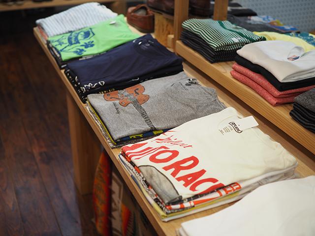 MOLLUSK(モラスク)等、雰囲気のあるアメリカ製のTシャツ。