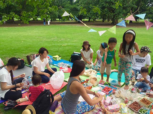ヨガ後の親子ピクニック