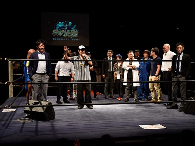 前回準優勝のカワタツ「前回準優勝したけどまじモテなかったので優勝します!」、優勝者のペニー「リングでやるのはボクシング、知ってる僕KING!」とそれぞれコメント。