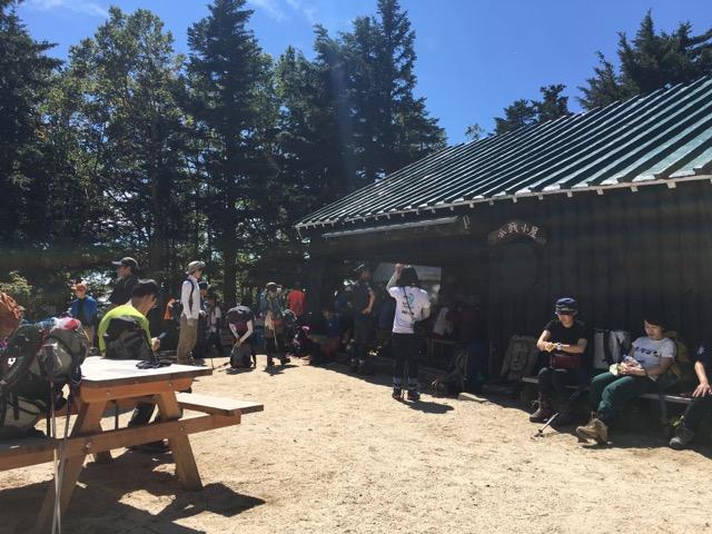 合戦小屋では、食事もとることが可能です。