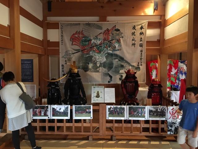 赤い甲冑が真田家、黒い甲冑手前が伊達家、奥が片倉家。レポート後半に記載してますが、白石城は真田家とゆかりがあります。