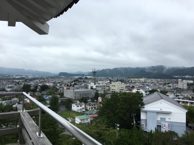 天守閣から見える白井市の風景。