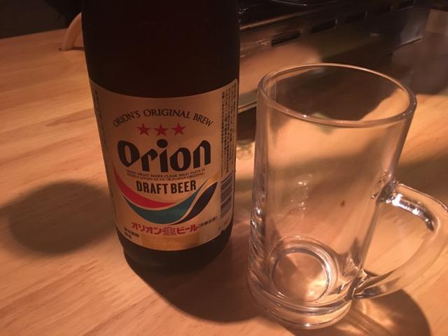 沖縄ゆかりのお店なのでまずはオリオンビールを注文。