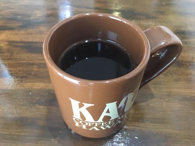 ハワイの豆100%を使用したコーヒーは飲みやすい。