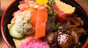 ランチ限定!コスパ最強のちらし寿司が食べれるお寿司屋さん「つるや鮨」サムネイル
