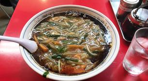 熱々の焦がしネギスープの「もやしそば」がいただけるラーメン屋さん大井町 永楽 そば店サムネイル