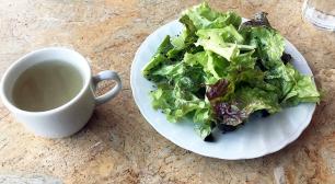 浅草 隅田川沿にあるスカイツリーを眺めながらケーキとコーヒーがいただけるお店。カフェ ムルソー(CAFE MEURSAULT)。サムネイル